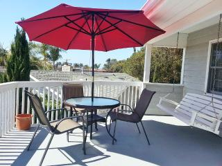 Private Guest House, Steps to Del Mar Beach!
