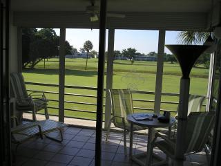 contemporary condo on golf course available 4/25, Pompano Beach
