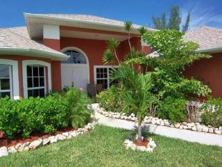 Palm Breeze - Cape Coral 3b/2ba luxury home