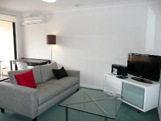 NTOWN - Great 1BR apartment. Private courtyard, Sydney