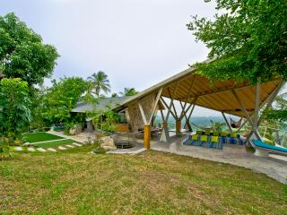 private 360 degree luxuary sea view pool villa, Taling Ngam