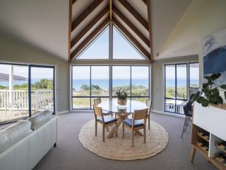Ocean Grove Beach House in Tasmania, Dodges Ferry