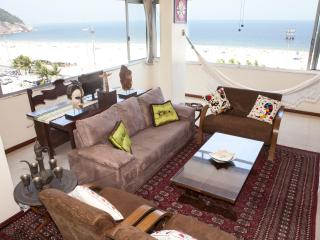 Copacabana Bela Vista - Ocean Front Apartment