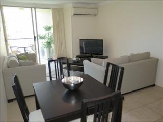 REN39 - 1BR, Great location - Furnished studio