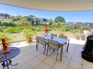 SFTH3 - Great one bedroom with leafy courtyard, Seaforth
