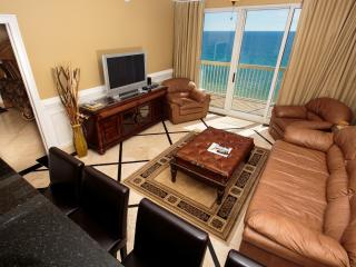 Luxury sweet...err suite with an amazing view of pier and across the street from Pier Park! FREE NETFLIX, Panama City Beach