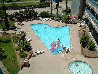 Beach View! Relax in Charming Condo #1316, Corpus Christi