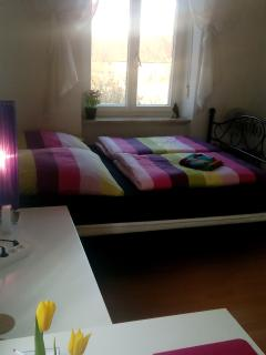 Double bed in guestroom