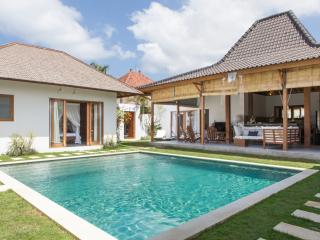 8 bedrooms Villa in Oberoi with 2 swimming pools, Seminyak