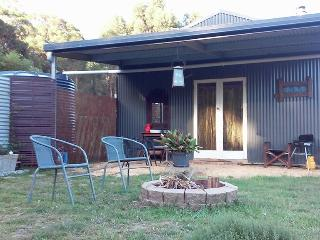 The Laidback Lair - couples studio retreat, Vallée des kangourous