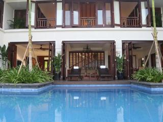 Beachfront Luxury Villa 4BR