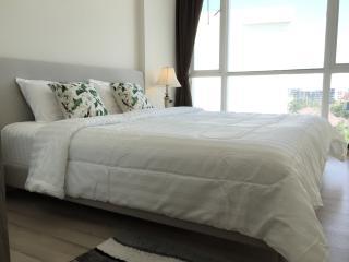 Cozy stay near Central Festival w/wifi, gym & pool, Phuket Town