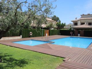 C31 ESTADA2 adosado 4 dormitorios, jardín, piscina, Miami Platja