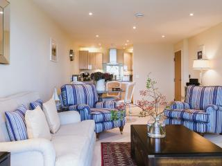 Sun Up, 5* 2 bedroom luxury apartment, St Ives