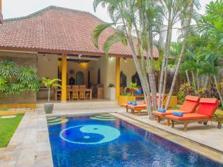 Villa Emas, Great Location and Pool Fence
