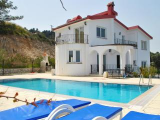 KB414 North Cyprus Kyrenia 3 Bedroom Luxury Dublex, Bellapais