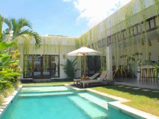 Villa Bayu - Canggu - 3 Bedrooms - Private Pool, Kerobokan