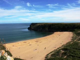 A lovely sandy beach at Barafundle.