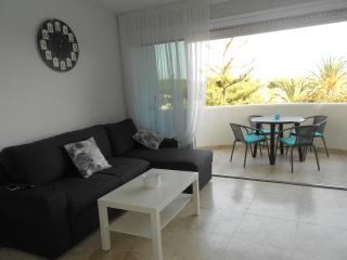 Apartam- estudio para 4 personas a 250metros playa, Marbella