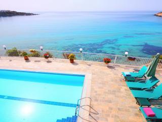 Katina Beach Front Villa Coral Bay, Peyia