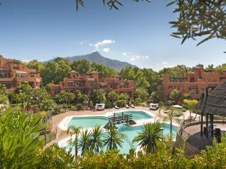 Fantastic penthouse in a luxury resort of Marbella, Nueva Andalucia