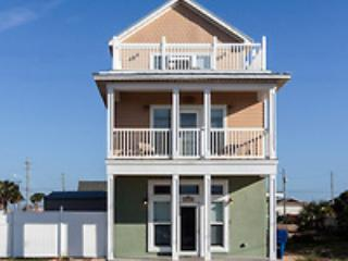 """Casa Cobia""  Wonderful Beach House. HEATED POOL., Panama City Beach"
