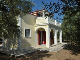 Lennas Holidays Houses 2-Bedroom Split Level House, Vasilikos