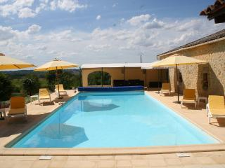 NEW!Mirabelle cottage with heated pool and Jacuzzi, Tombeboeuf
