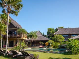 7 BR in 3 pavilions 'Toraja' 'Timor' 'Irian'