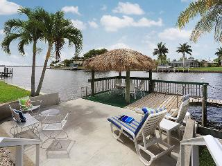 Panoramic River Views & Tropical Luxury Living!, Cape Coral