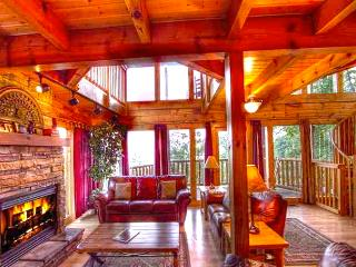 AN Incredible View~WIFI~3 Master Suite~Pool~Luxury, Gatlinburg