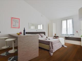 Hercolani - Lovely studio apt in city centre Palazzo Banchi