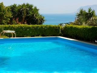 Villa with pool in Scopello