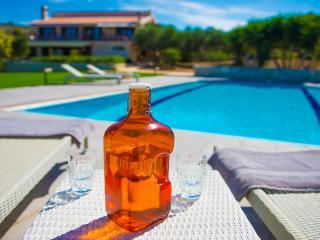 Villa Mathea – Luxury Villa with Annex and Pool