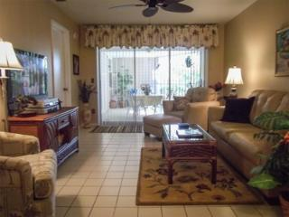 Walk to Beach, Pool view, WiFi, DISCOUNT 4 MAY!, Marco Island