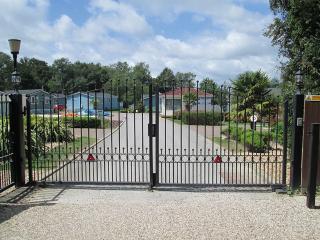 Woodlands Park, 53, Deluxe Range, Pathfinder Tuscany, Hastings