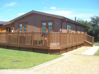 2 Bedroom Luxury Lodge at Lazy Otter, Ely
