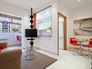 2BR/1BA Just 350m From Sagrada Familia - for 6, Barcelona