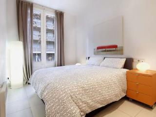 2BR/1BA Just 350m From Sagrada Familia - for 6