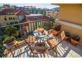 Spacious 3 bedroom apartment in center, Spalato