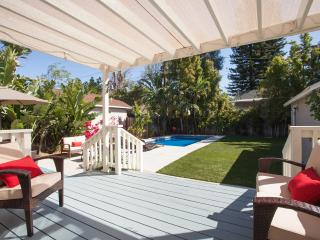 Bungalow W/ Pool in Celebrity Area