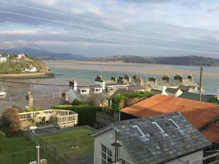 Spectacular estuary view, Borth-y-Gest