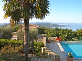 Casa Bella lake view, private pool jacuzzi tennis,, Passignano Sul Trasimeno