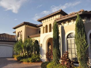 4 BR - 5500 sq ft house in North Naples with golf, Napels