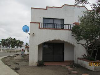 CONDO F  2 BED 2 1/2 BATH W/POOL ACCESS (sleeps 4), Ensenada