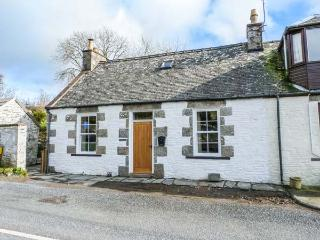 LARCHBANK COTTAGE, semi-detached, woodburner, pet-friendly, garden, in Borgue, Ref 932759