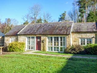 KIZZIE'S COTTAGE, detached, single-storey, parking, garden, in Warkworth, Ref 933857