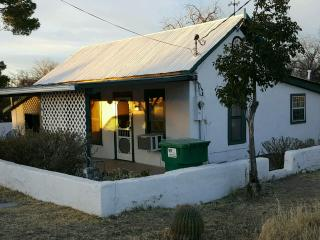 100+ yr old Adobe Home on Historic Allen St