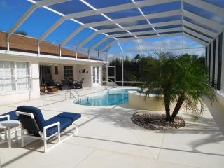 Snowbirds Dream - Golfview villa with Pool +Hottub, Inverness