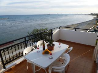 Sea View Apartment, 1 bedroom Free Wifi, Oroklini